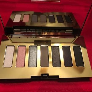 Estée Lauder eye shadow compact and makeup remover